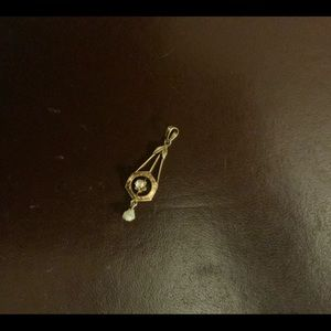 10K yellow gold sparkle pendant an pearl. 1 3/8 in